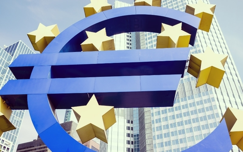 Eurozone Economic Rebound Beats Estimates in December, Remains in Contraction