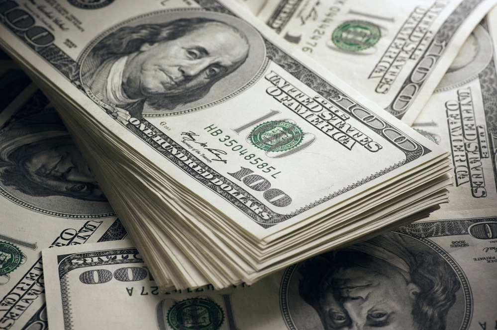 Dollar Shows Resilience but Might Not Hold for Long