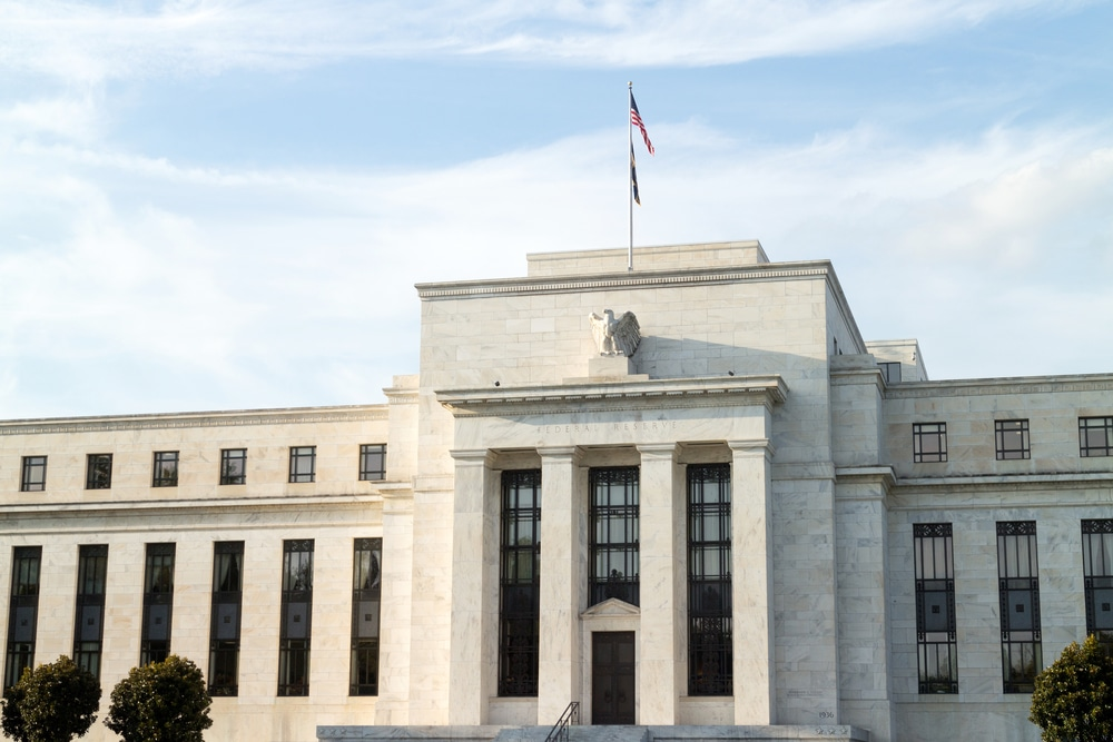 Survey: Fed to Taper Bond Purchases Early Next Year with Emphasis on MBS