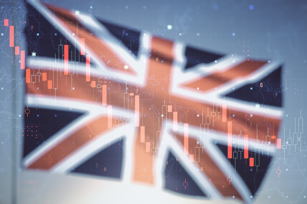 UK Economic Expansion Slows in May on Lower Manufacturing Output