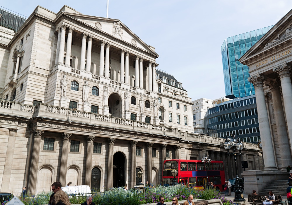 Bank of England Keeps Banks Rate Unchanged — Will Only Tighten if Inflation Target is Met