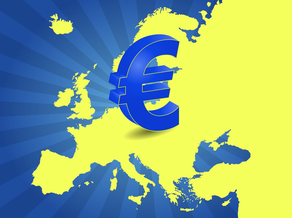 Eurozone Business Output Cools in August, Still Hovers Around 15-Year High