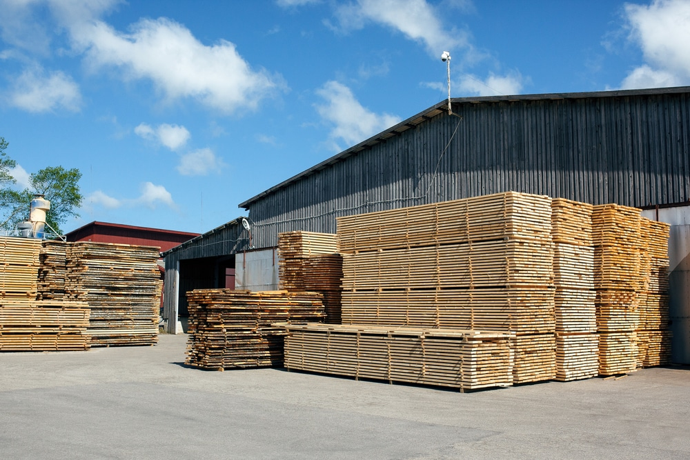 Lumber Futures Drops to 4.4%, The Lowest Level Since October 2020