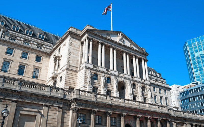 Bank of England Hints at Possible Rate Hike Within 2021