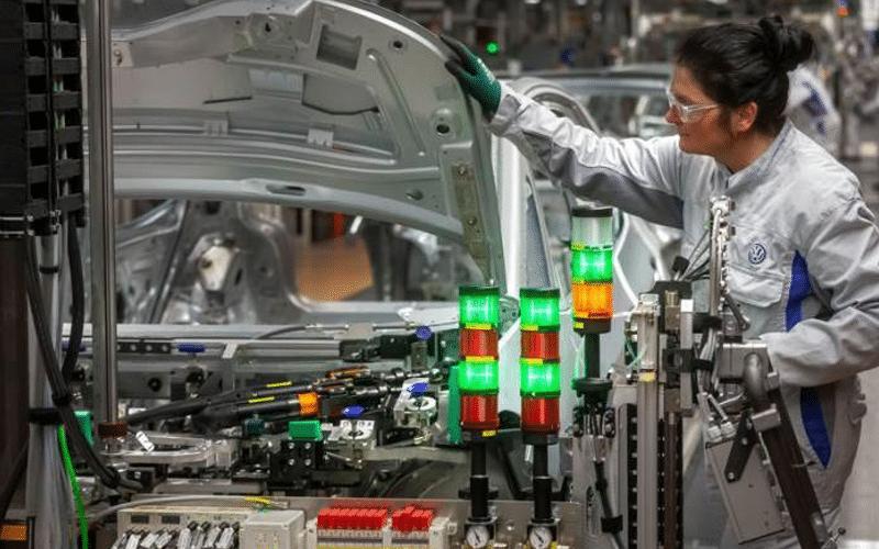 Supply-Chain Bottlenecks Drag German Manufacturing to Six-Month Low