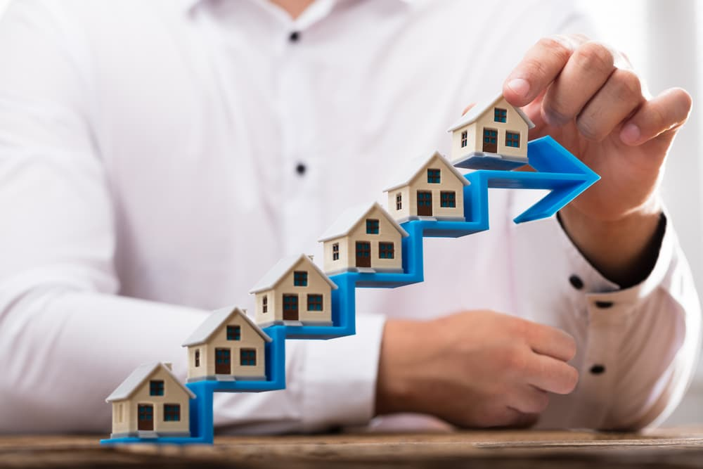 UK House Prices Up 2.1% Month-on-Month, Ignoring End of Tax Cut